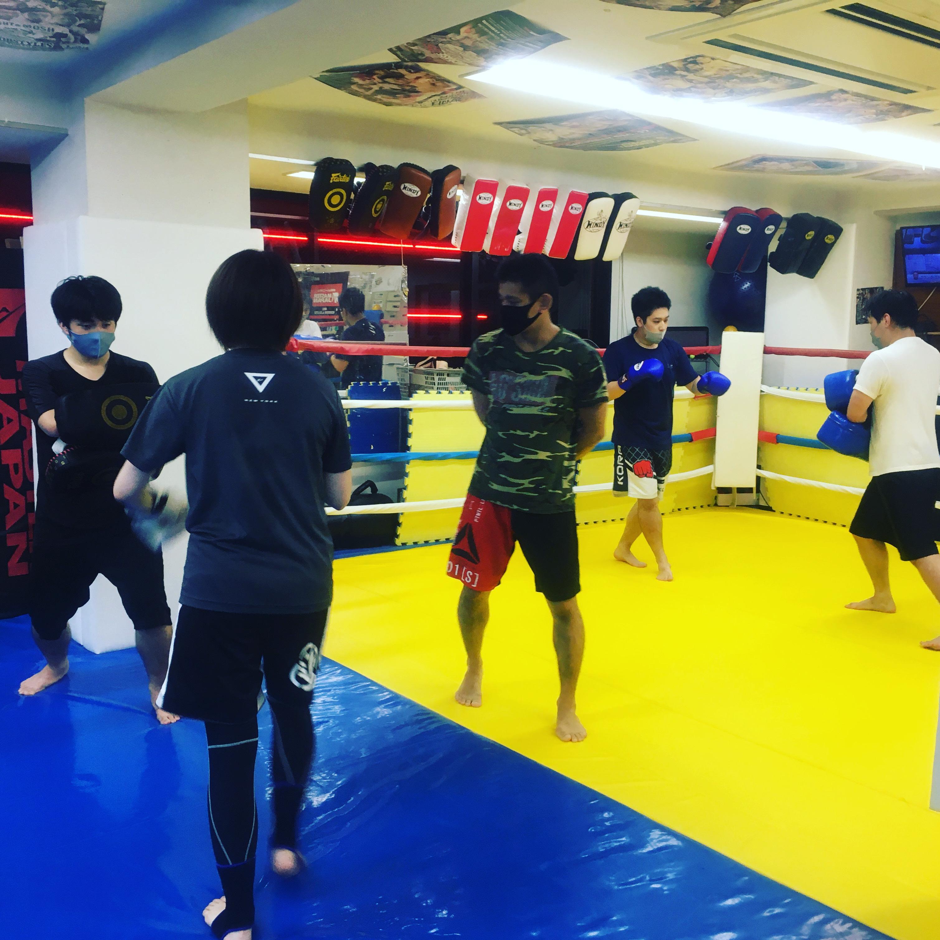 金曜キックボクシング
